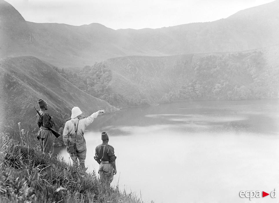 Partie Est du lac de l'Eboga (2110 mètres d'altitude) le 9 mars 1917.ECPAD SPA-155-H-4854