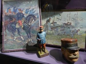 Objets illustrant le culte du maréchal Joffre