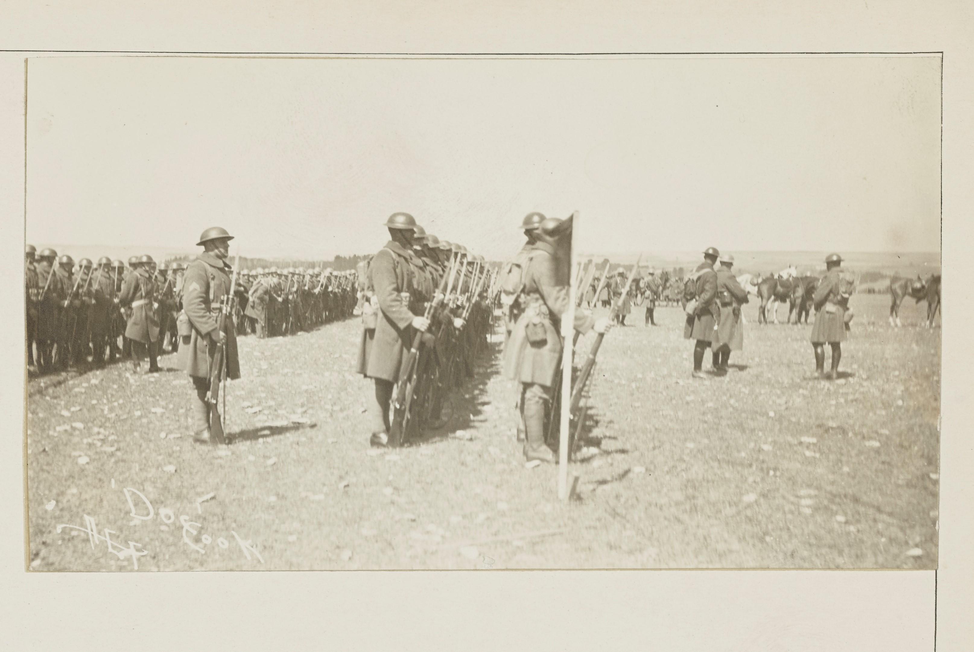 Le 352e régiment d'infanterie à l'occasion d'une revue de la division à Gondrecourt NARA 165-WW-91A-010